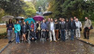 Zakončení expedice u Masarykova pomníku v Užhorodě / MM