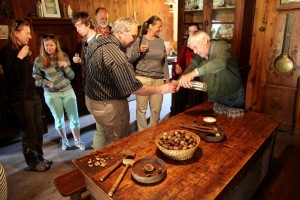 Ochutnávka ořechovice u mlynáře v Cougnaguet / DF
